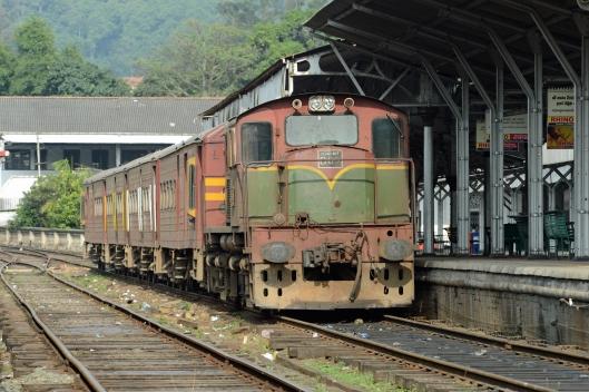 DG237649. M7 809. Kandy. Sri Lanka. 13.1.16.