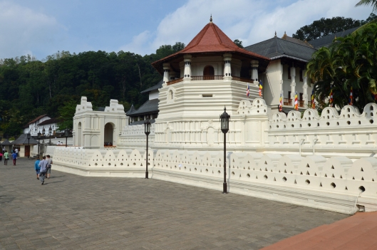 DG237638. Temple of the tooth. Kandy. Sri Lanka. 13.1.16.