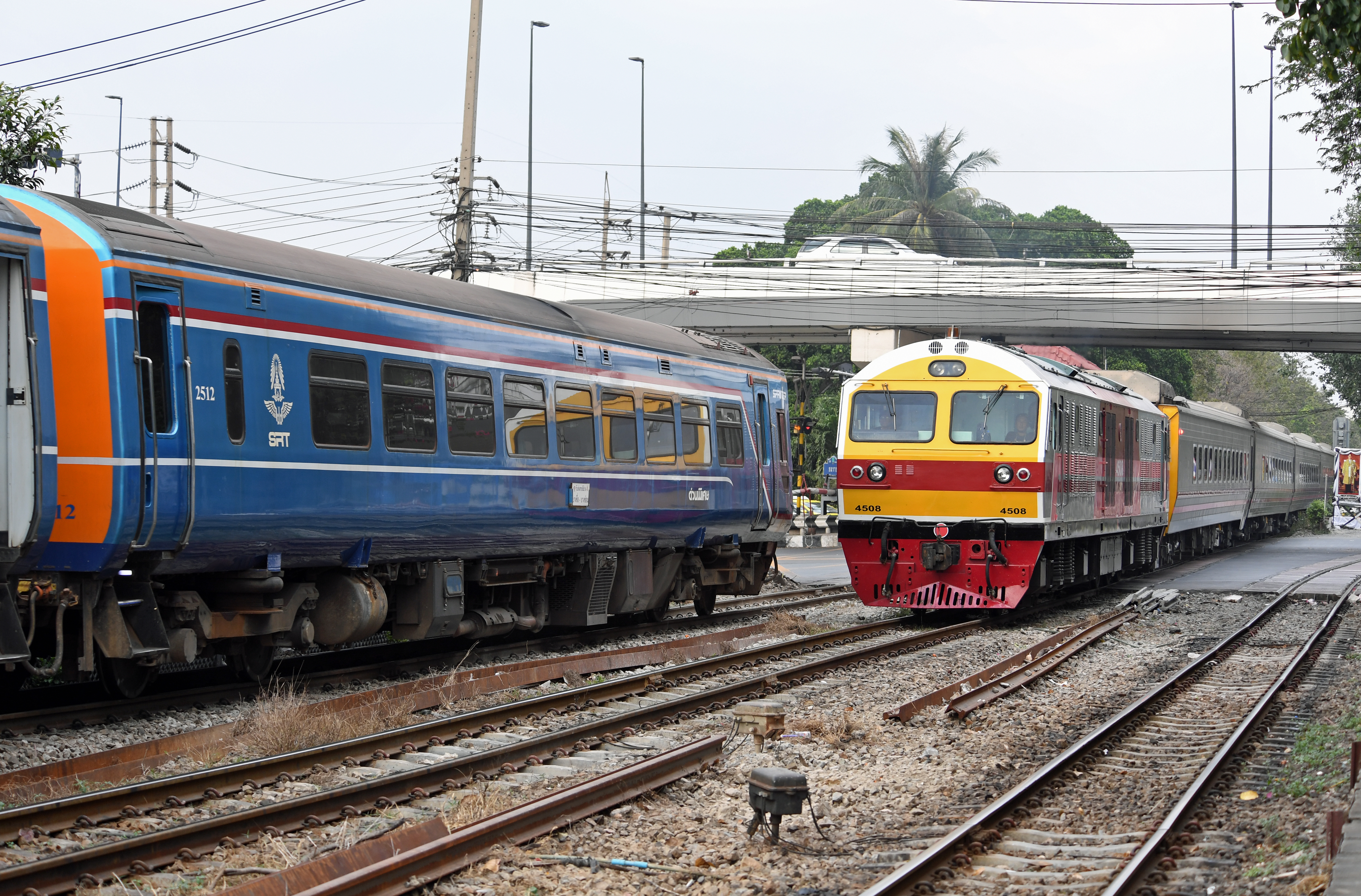 dg263948-2512-4508-yommarat-jn-bangkok-thailand-2-2-17