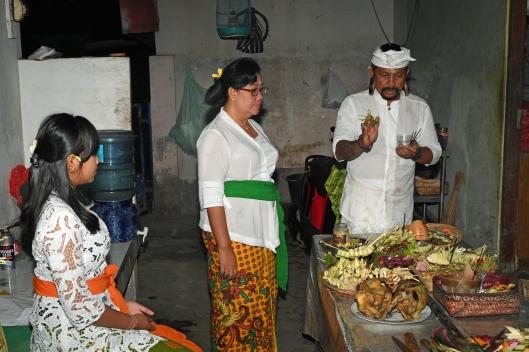DG264167. Blessing offerings for Tumpak Landep. Bali. Indonesia. 4.2.17.JPG