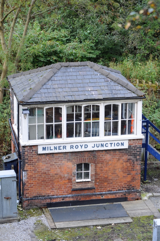 DG19303. Milner Royd Junction signalbox. 17.10.08.