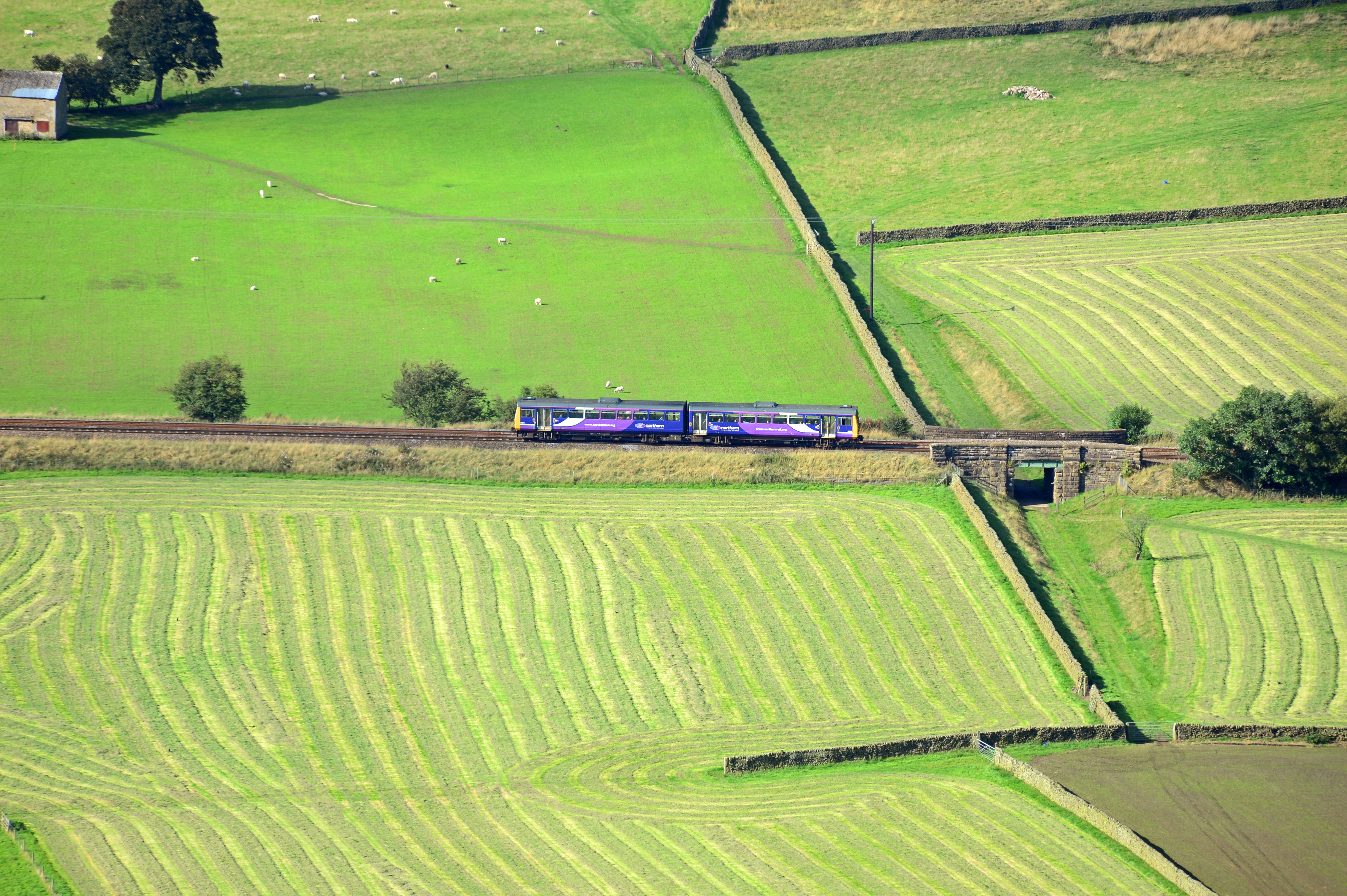 DG192563. Northern Class 142. Edale. 7.9.14.