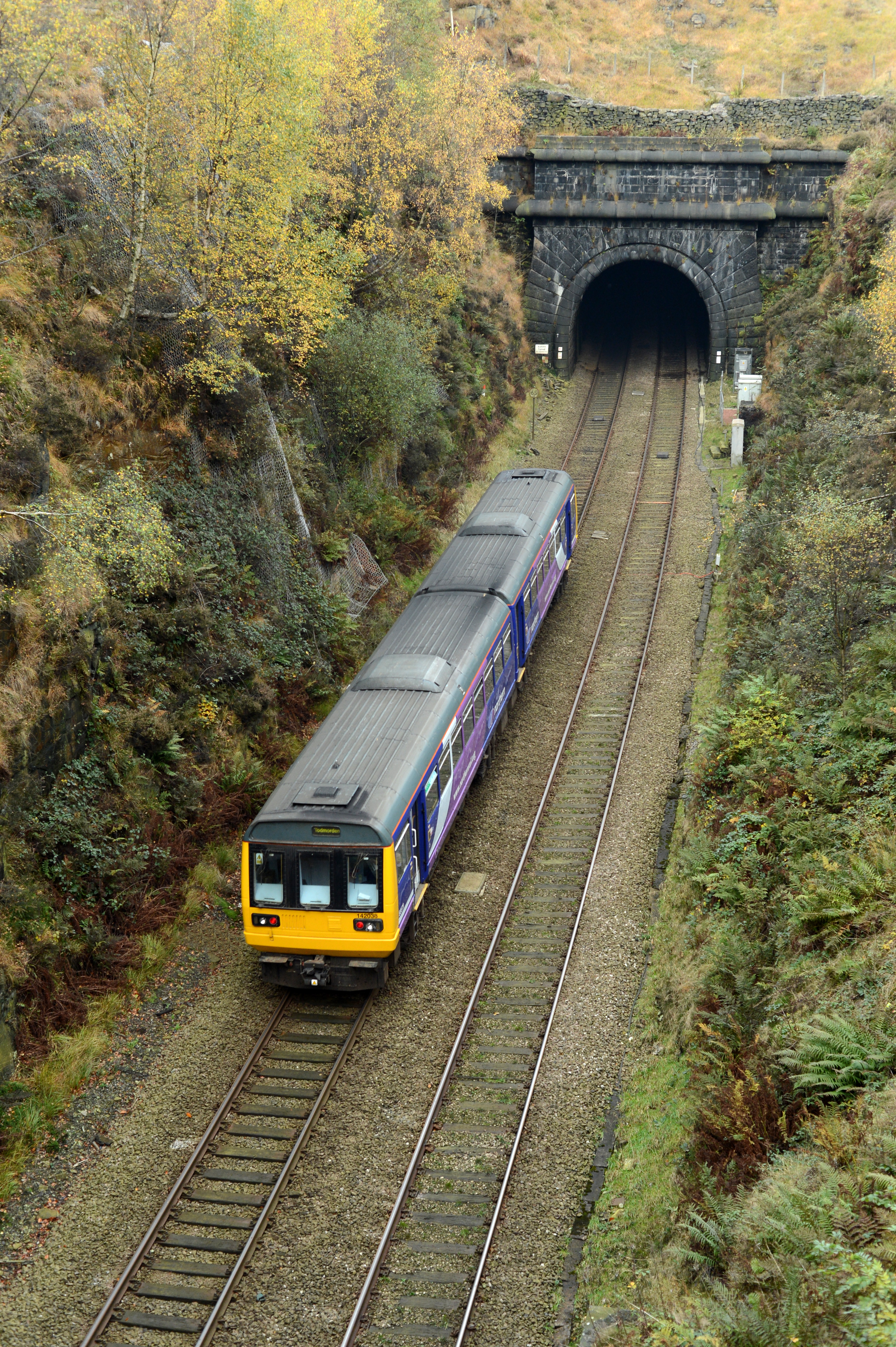 DG199592. 142038. Summit tunnel. 31.10.14.