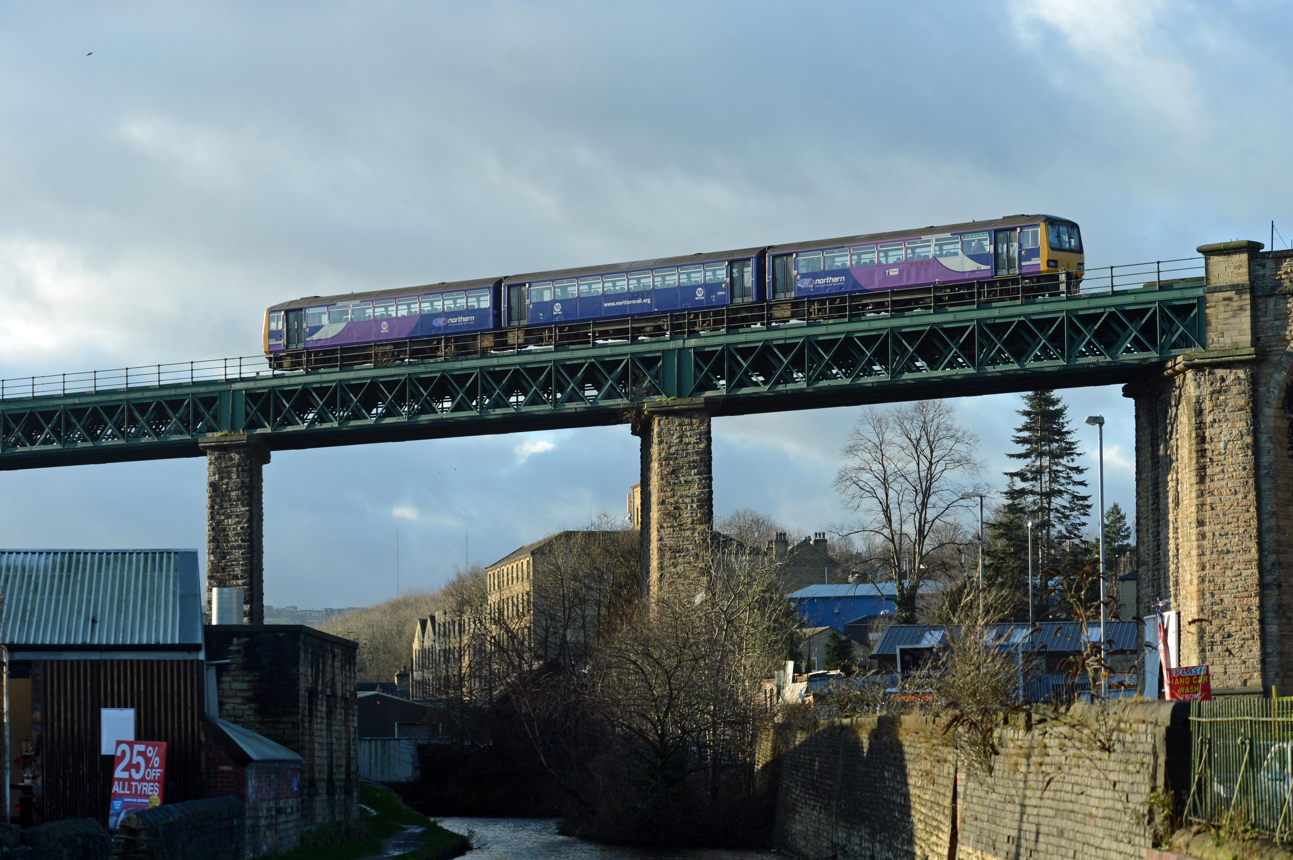 DG204045. 144022. Huddersfield. 6.1.15