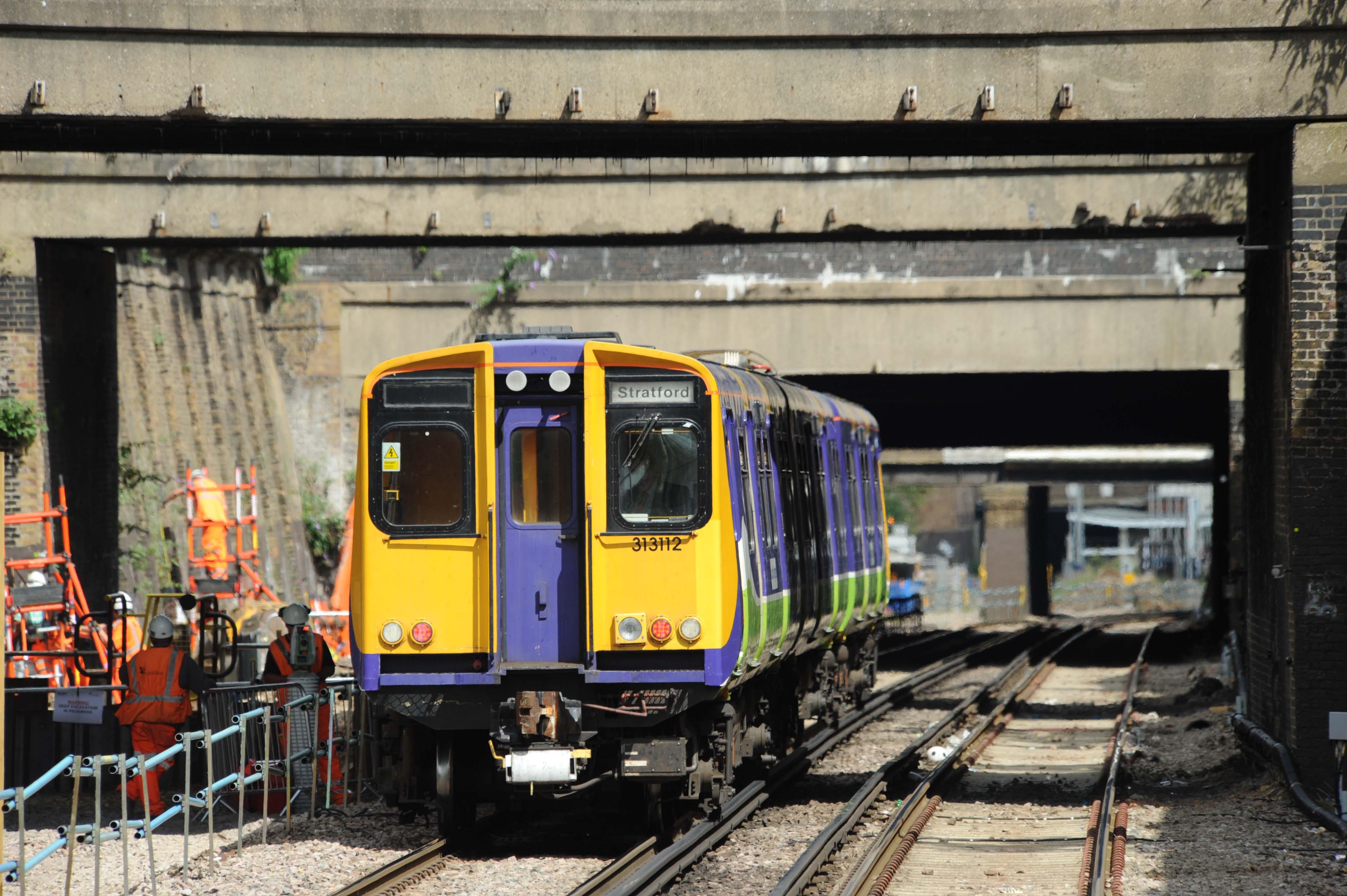 DG29836. 313112. Caledonian Rd and Barnsbury. 31.7.09.