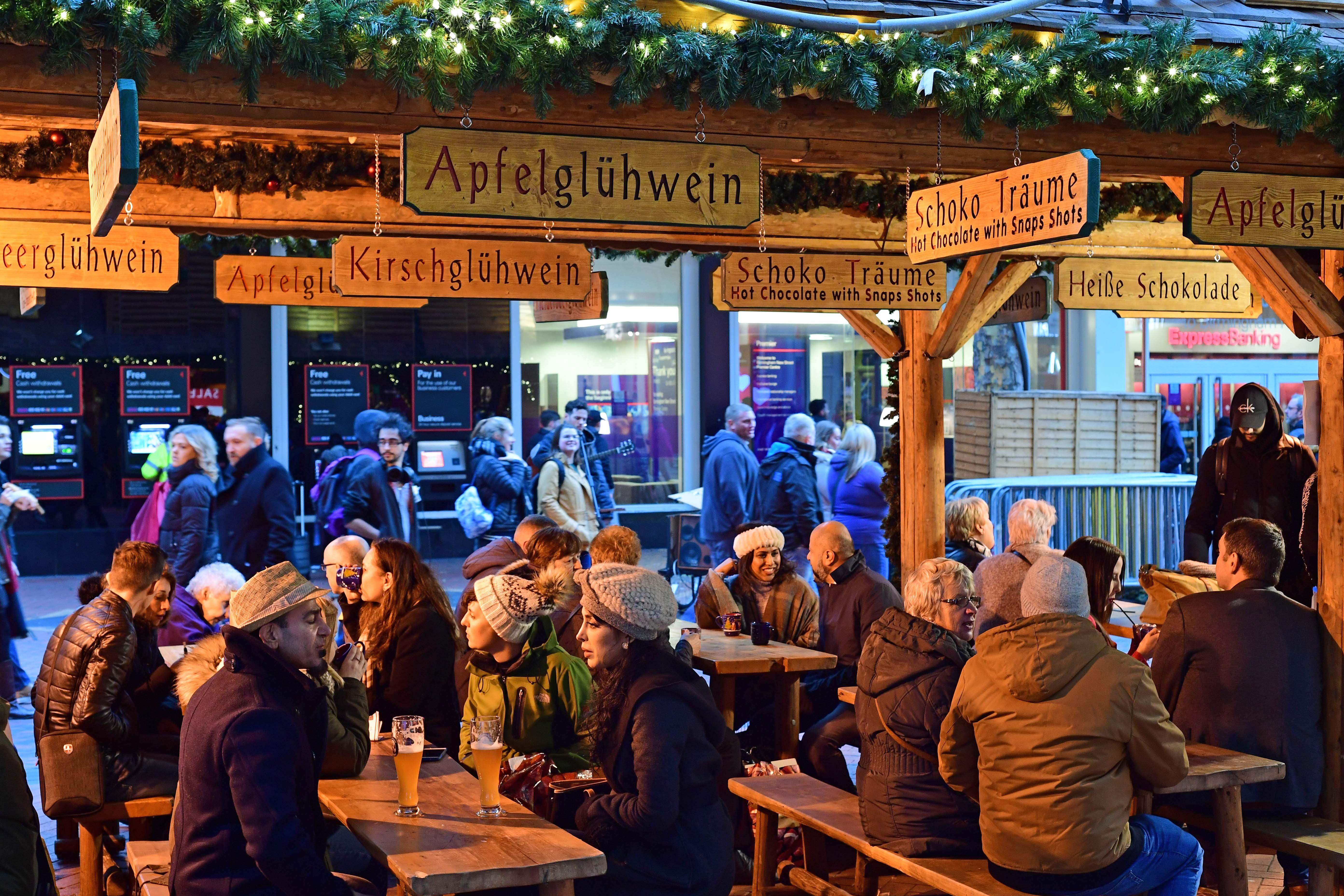 DG314173. Christmas Market. Bimingham. 30.11.18crop