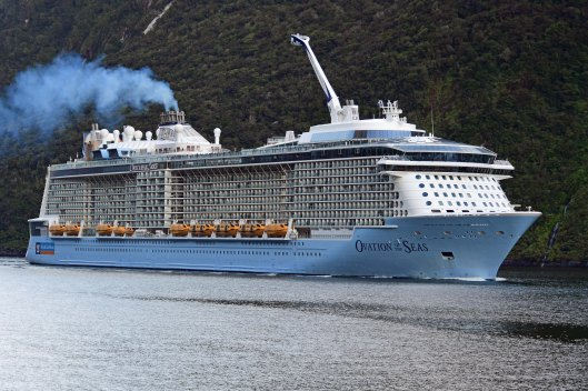dg317890. ovation of the seas. . milford sound. south island. new zealand. 24.1.19crop
