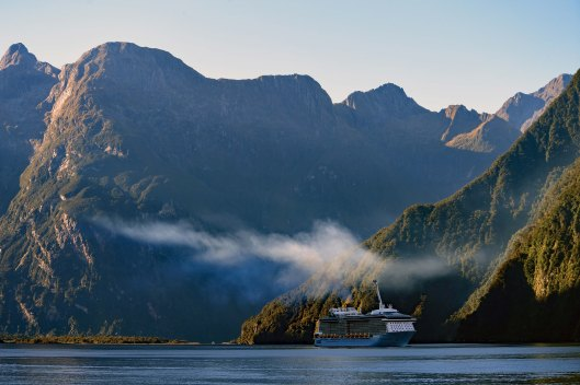 dg318010. ovation of the seas. milford sound. south island. new zealand. 24.1.19crop