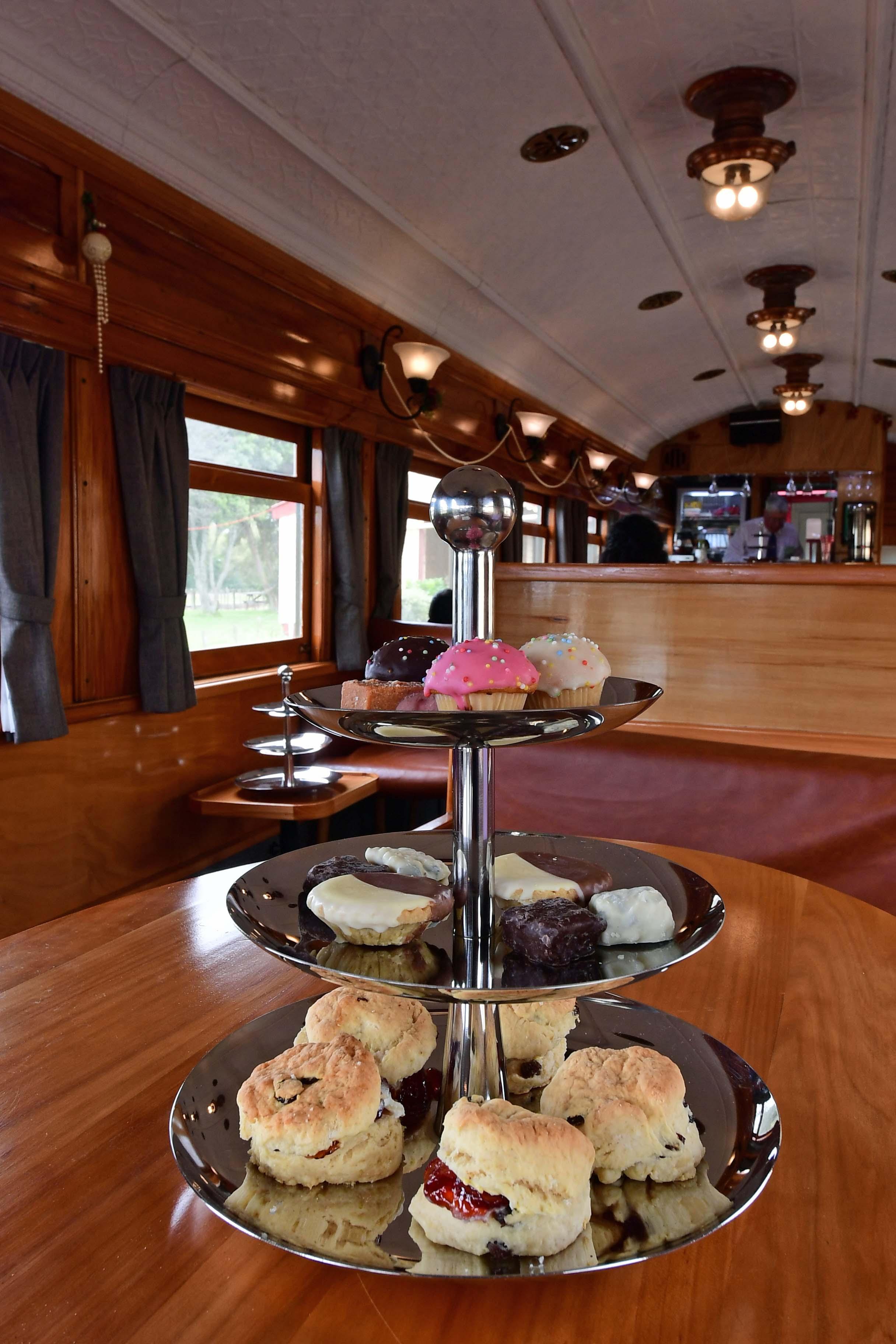 dg318242. parlour car. glenbrook vintage railway. north island. new zealand. 27.1.19crop