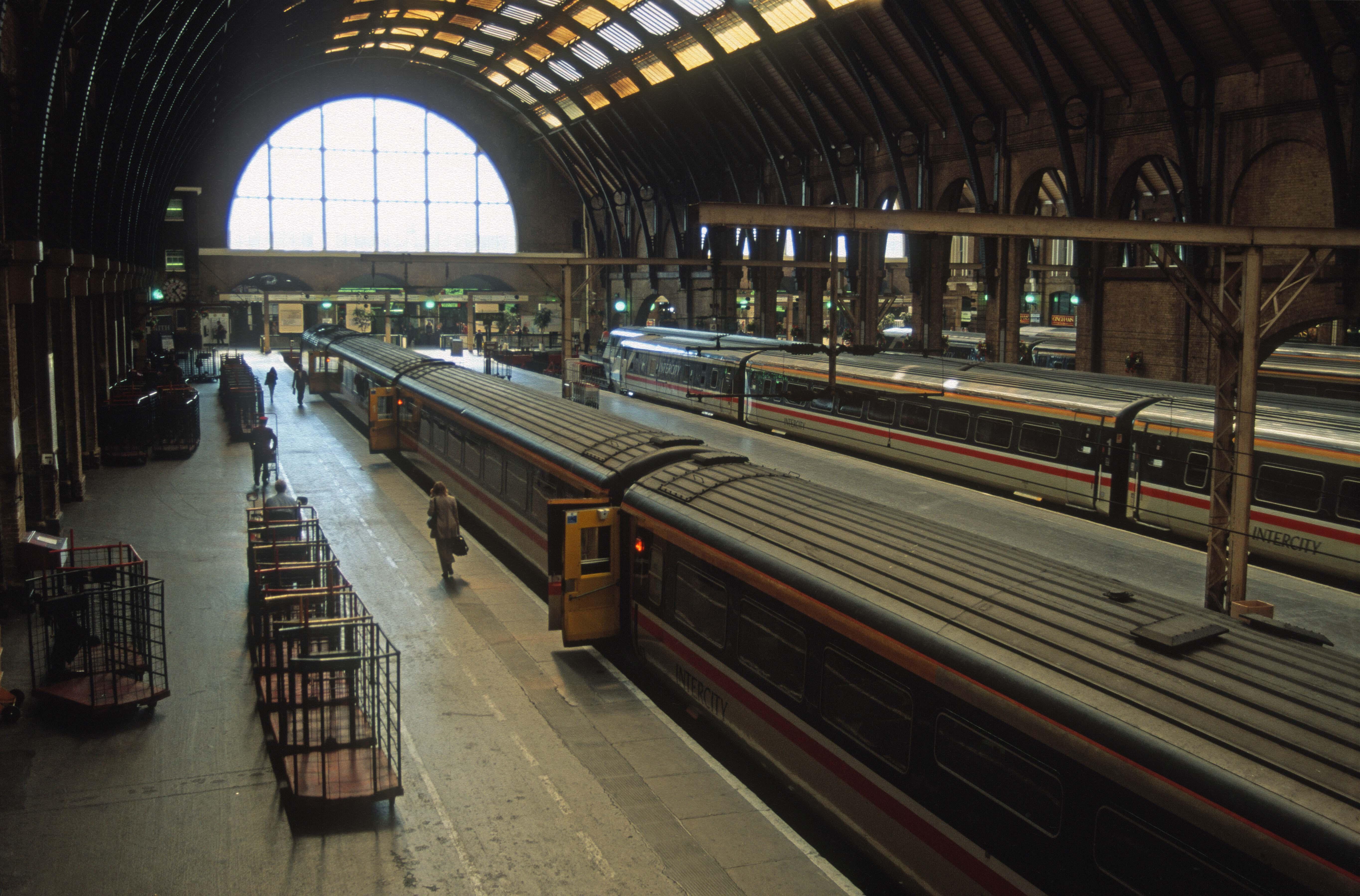06160. BRUTES on the platform. Kings Cross. 17.9. 1996crop