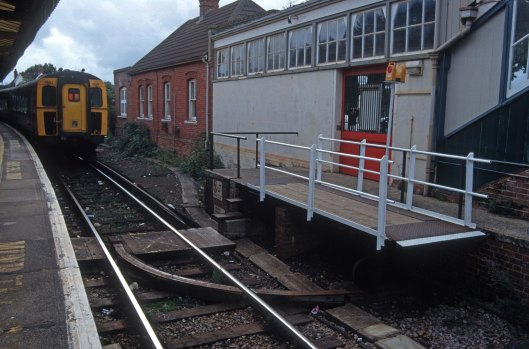 06202. Swing bridge across the tracks. Brockenhurst. xx.9.96.crop