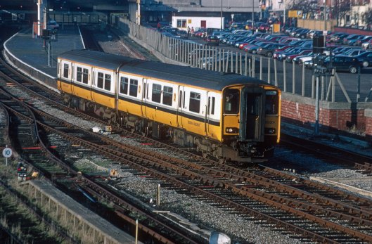 06463. 150201. Southport - Chester service. Southport. 26.1.97crop