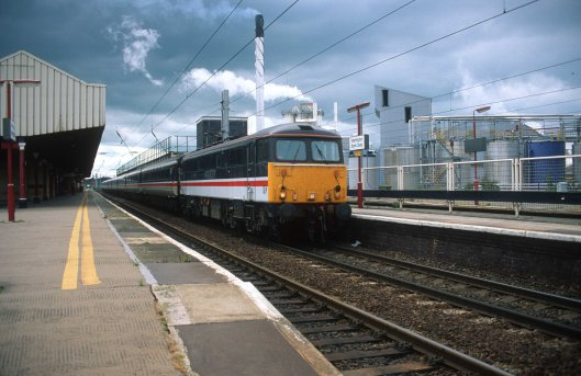 04994. 87017. Working to Preston. Warrington Bank Quay. 20.6.95crop