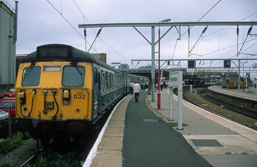 5106. 304032. 12.54 to Coventry. Wolverhampton. 28.7.95crop
