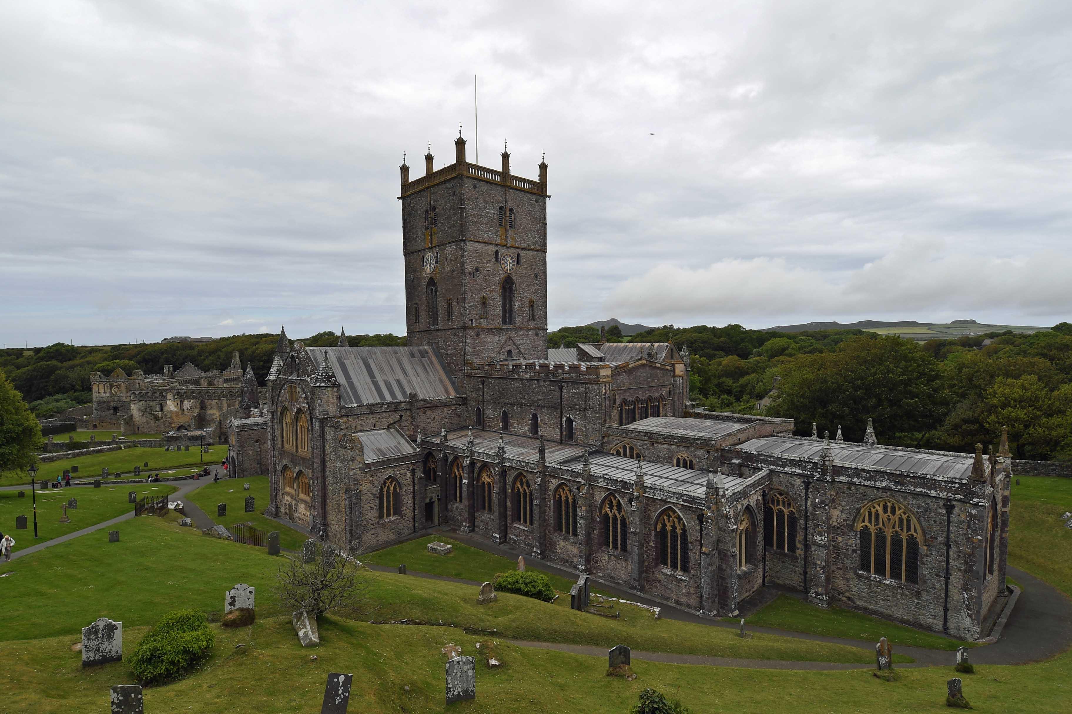 DG326004. St David's cathedral. Wales. 17.6.19.crop