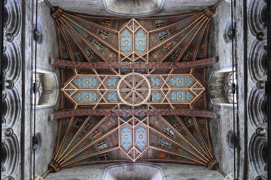 DG326017. St David's cathedral. Wales. 17.6.19.crop