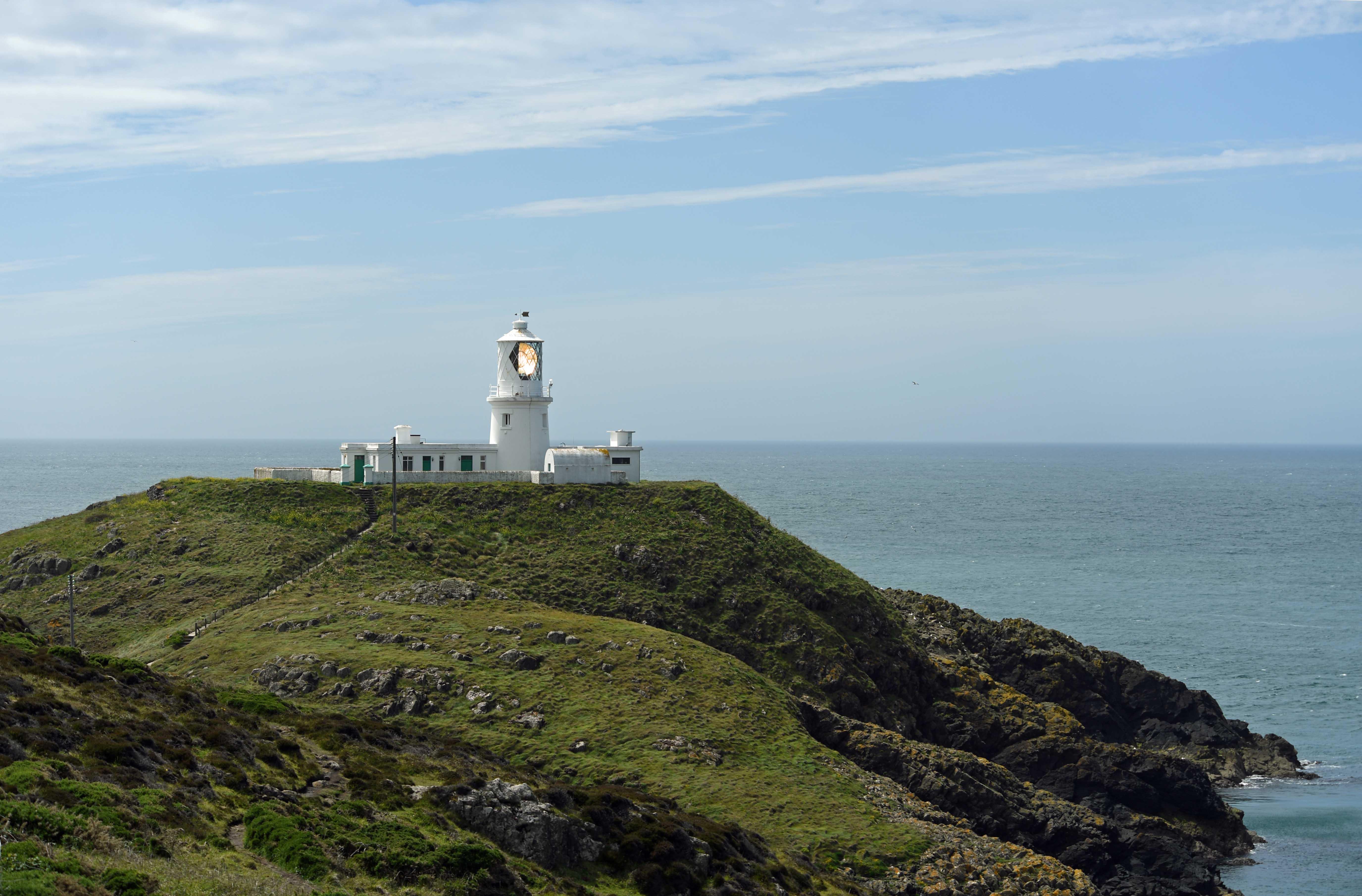 DG326034. Strumble Head lighthouse. Pembrokeshire. Wales. 17.6.19.crop