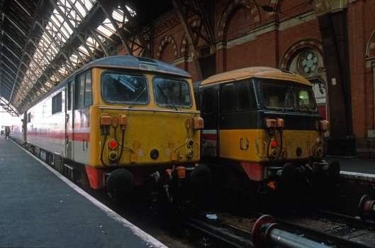 03035. 87001. 13.12 to Liverpool Lime St. 87021. 09.10 from Liverpool Lime St. London St Pancras. 12.10.1991 crop
