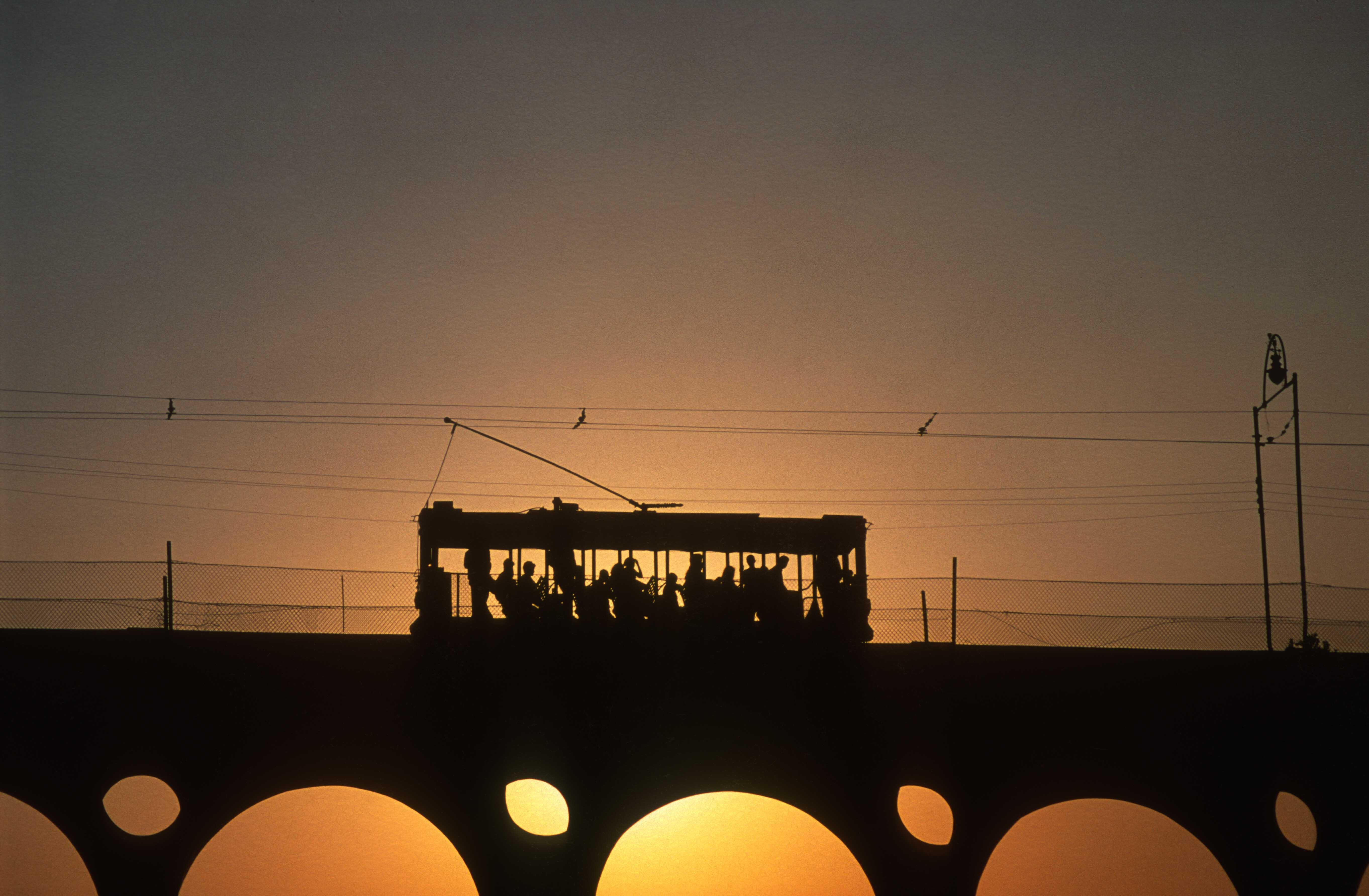T13535. Tram on the Arco de Treles at sunset. Centro. Rio de Janeiro. Brazil. 7.8.2002crop